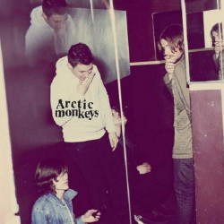 ARCTIC MONKEYS - HUMBUG...